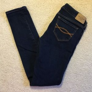 EUC Abercrombie low rise skinny jeans